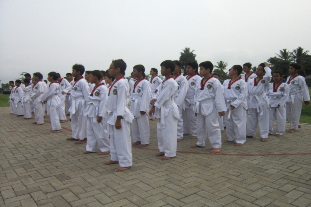 Latihan Taekwondo Putra